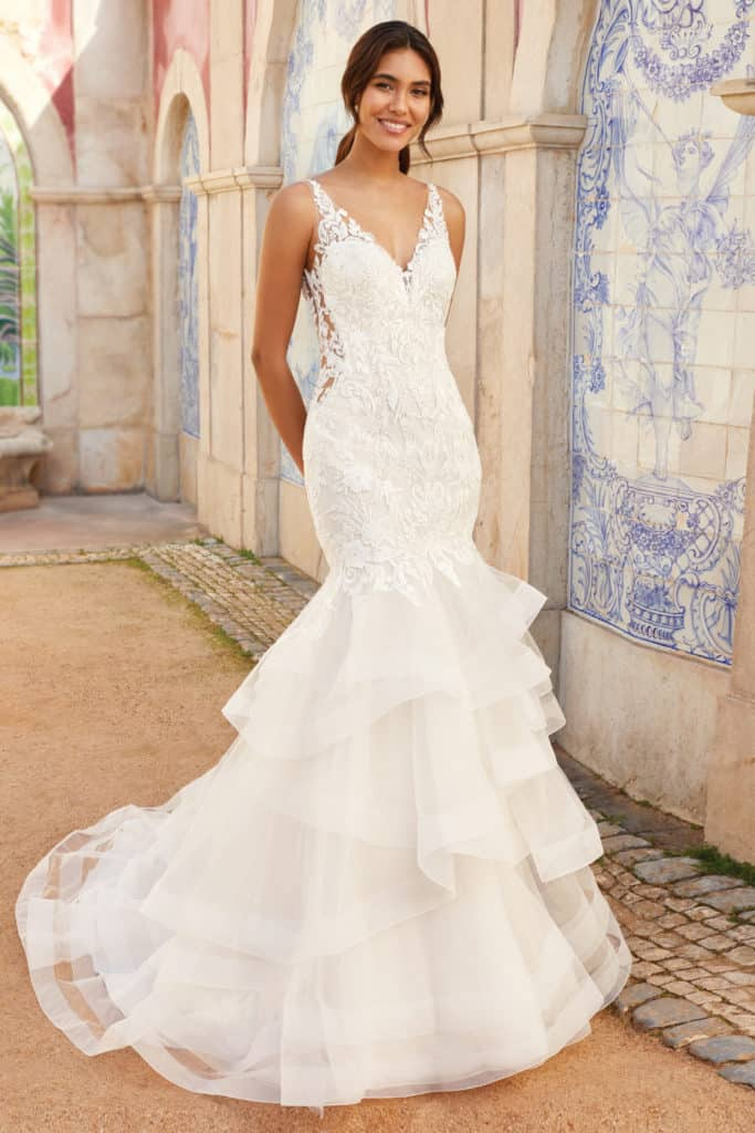 44253 Mermaid gown with ruffles