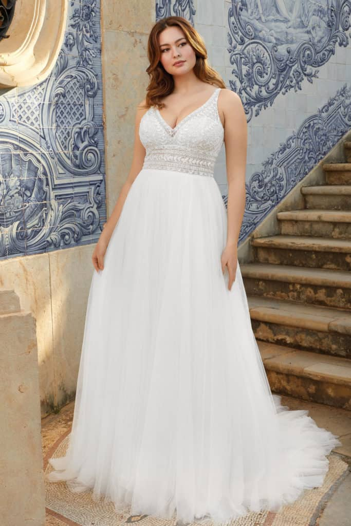 44120 by Sincerity bridal